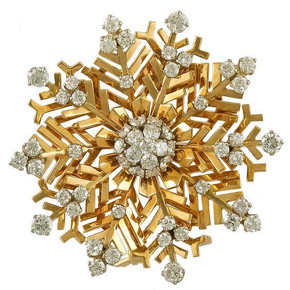 Van Cleef & Arpels Diamond Snowflakes Brooch Yafa