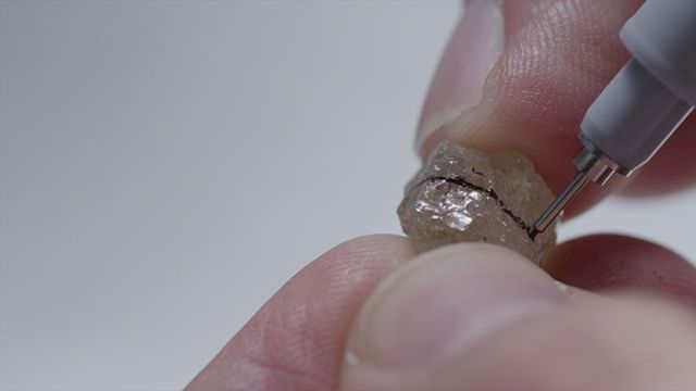 diamond-marking-cleaving