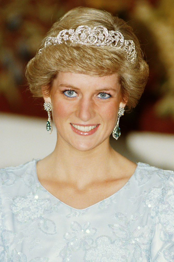 emerald earrings diana
