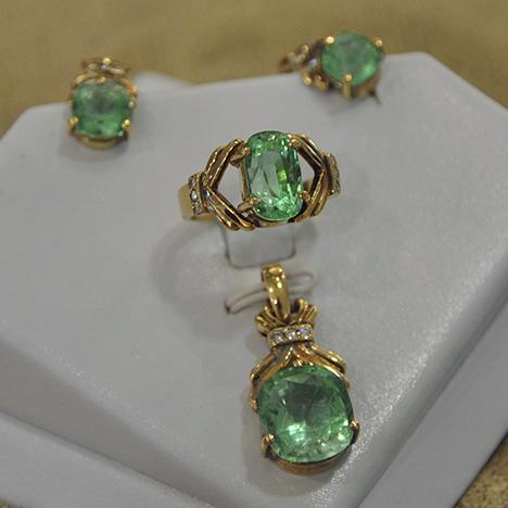 faceted-gem-quality-green-feldspars