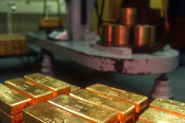 gold-bullion-1962