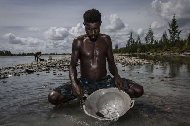 indonesian-illegal-gold-mining-5