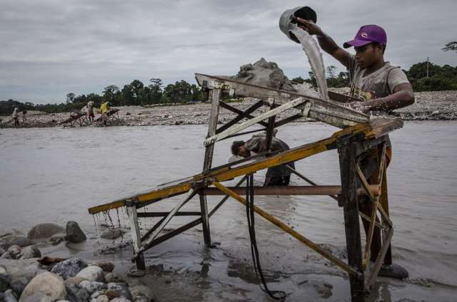 indonesian-illegal-gold-mining-7