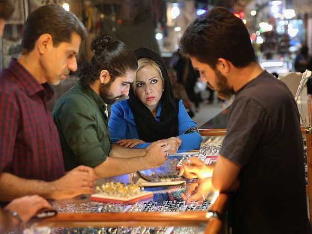 Customers shop for jewelry in Iran