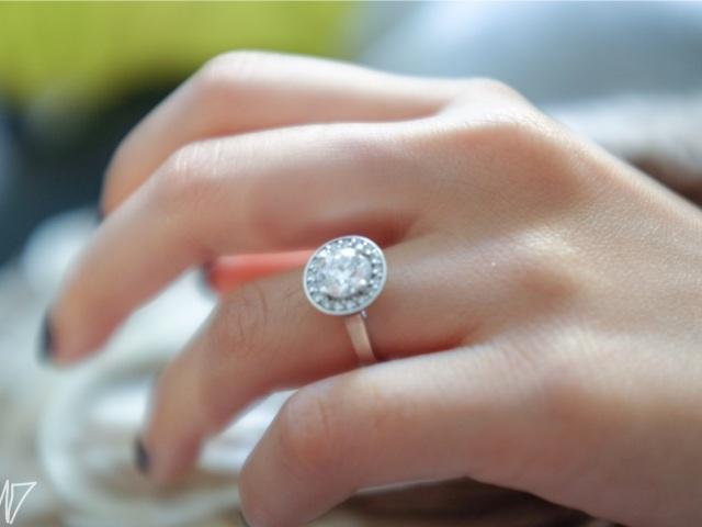 diamond engagement ring armand